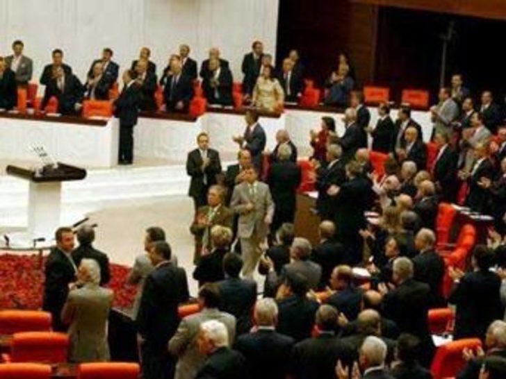 """AKP sivil darbe yapıyor"""
