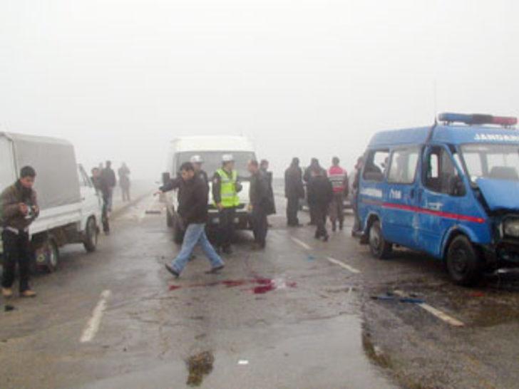 Askeri araç devrildi: 1 şehit, 7 ağır yaralı