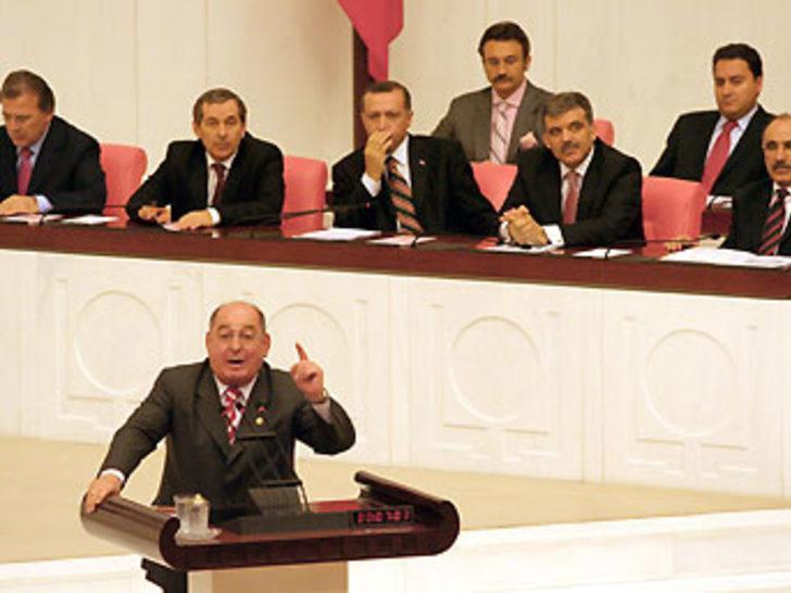 """""""Atatürk logosu neden kaldırıldı?"""""""