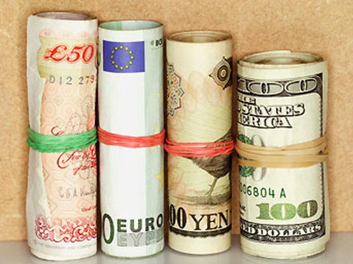 Yatırımcı borsadan kaçıp dövize koşuyor