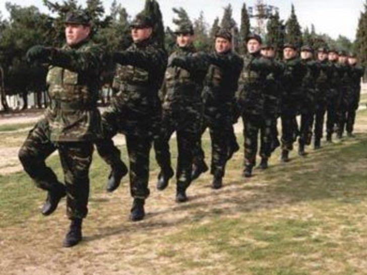 """Özcan: ''Askerlik süresi eşitleniyor"""""""