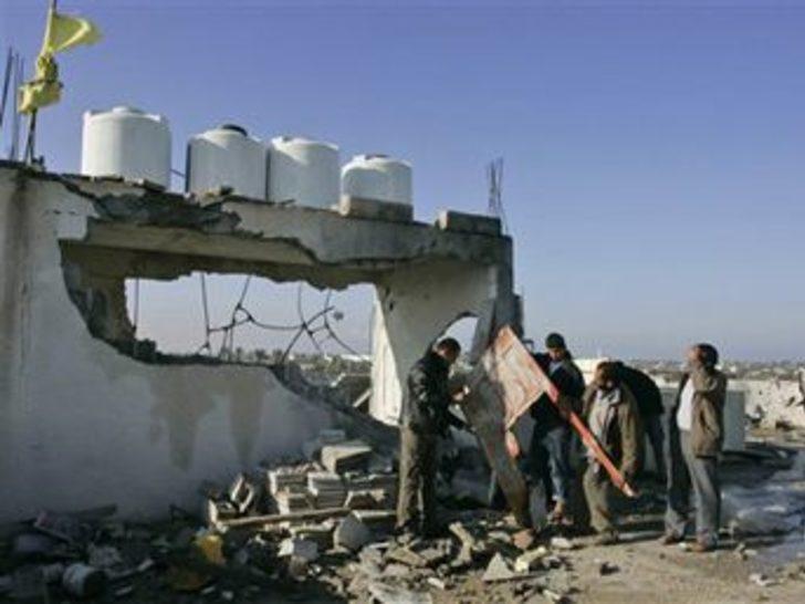 İsrail hava saldırılarına devam ediyor