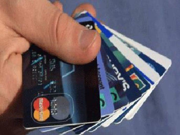 Kredi kartlarında faiz indirildi