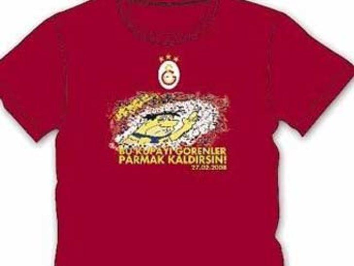 Kırmızı derbiye özel tişört