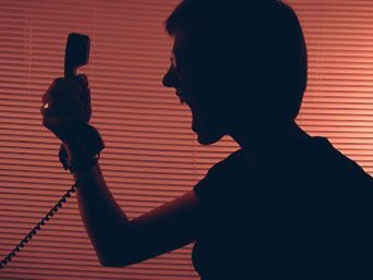 Erotik hatlı telefon intihara sürükledi