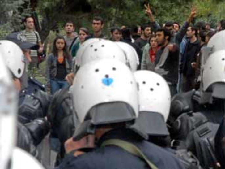 AÜ'de öğrenci kavgası: 3 yaralı