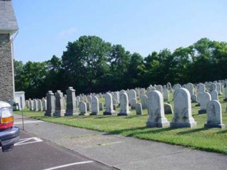 İstanbul'un gözde mezarlıkları doldu