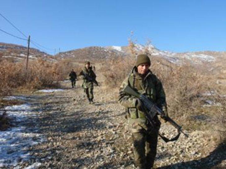 Mehmetçik, Kuzey Irak sınırını ablukaya aldı