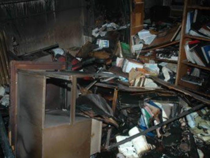 Kasayı açamayan hırsızlar fabrikayı ateşe verdi