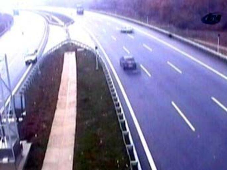 Tünel çıkışındaki kaza kameralara yansıdı