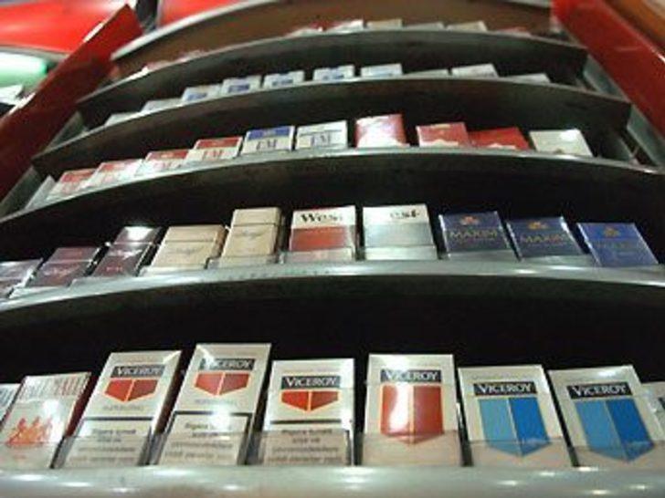 İngiltere'de sigaralar masa altından satılacak