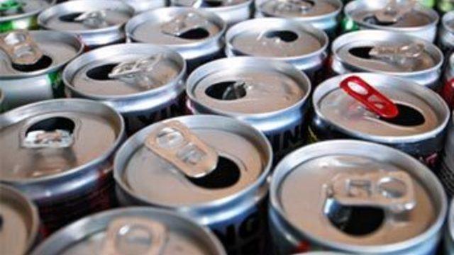 Половина старшеклассников страдают побочными эффектами от энергетических напитков