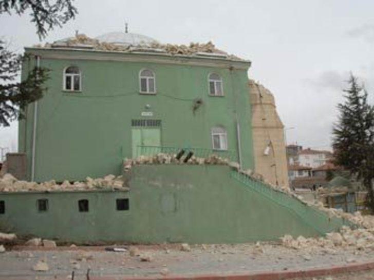 Kırıkkale'de rüzgar cami minaresini uçurdu