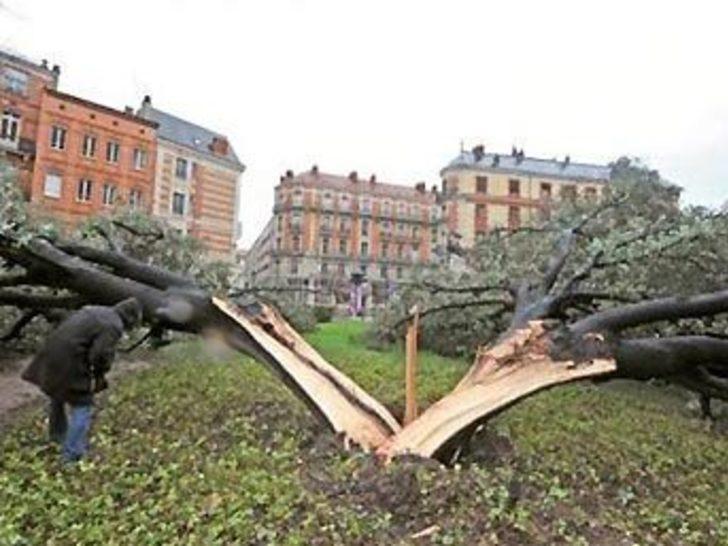 Avrupa'da fırtına: 15 ölü