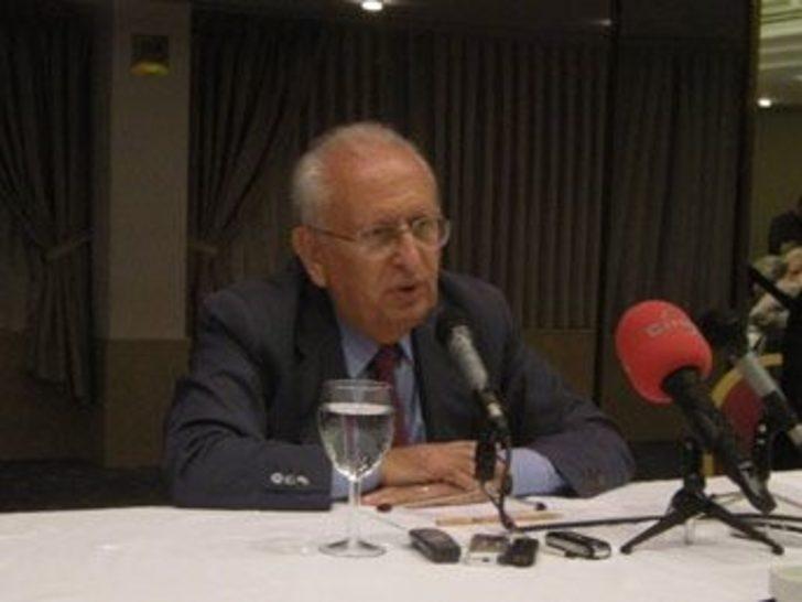 Cindoruk'tan yarı başkanlık ve senato önerisi