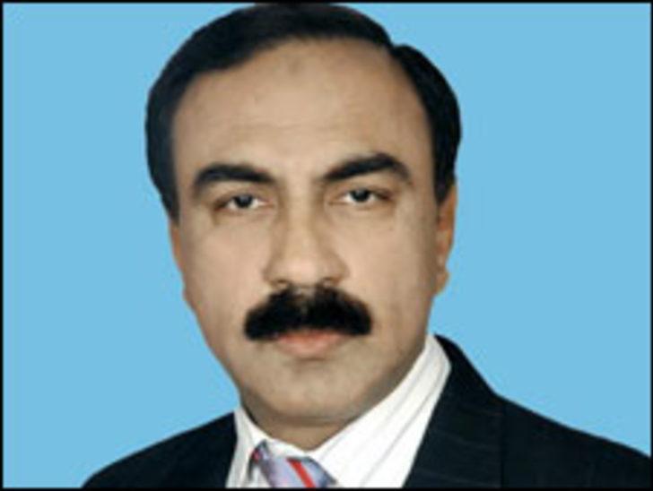 Pakistanlı Bakan orduya 'suikastçı' dedi, istifa etti