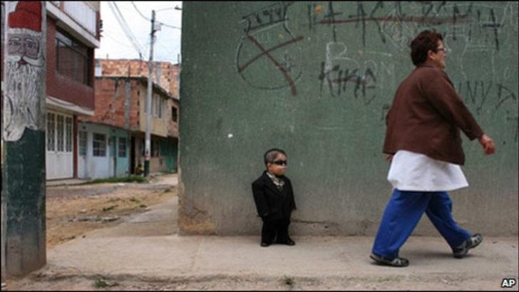 Dünyanın en kısası 70 santimlik bir Kolombiyalı