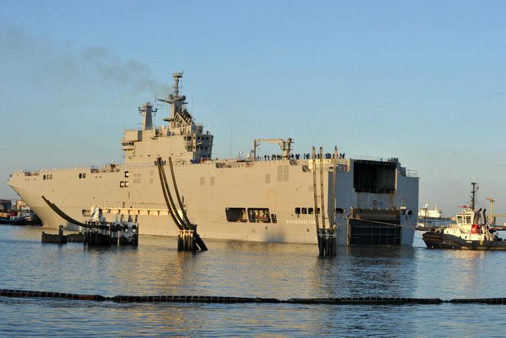 Fransa Rusya'ya savaş gemisi satışını askıya aldı