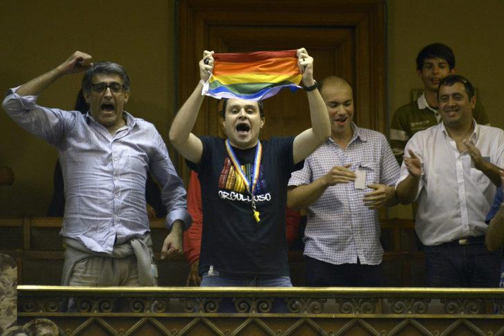 Uruguay'da eşcinsel evlilik yürürlükte