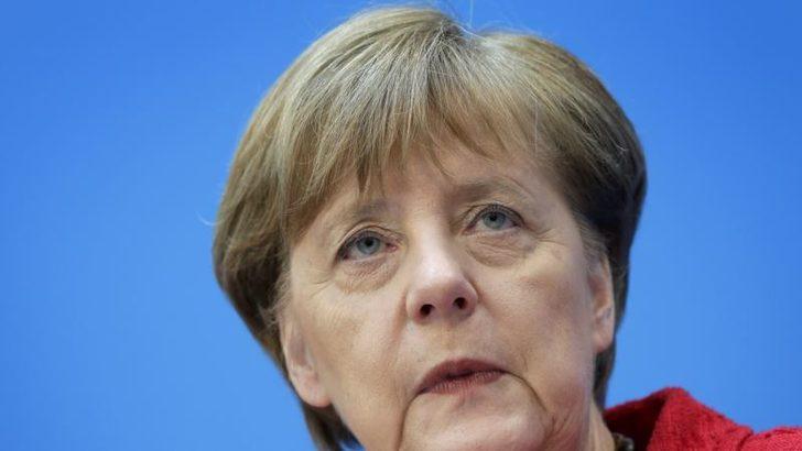 Almanya'nın En Büyük Eyaletindeki Seçimi Merkel'in Partisi Kazandı