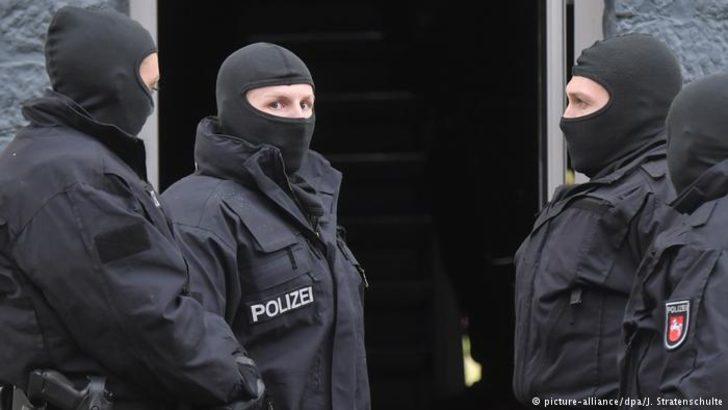 """Almanya'da """"tehlikeli"""" radikallerin sayısında artış"""