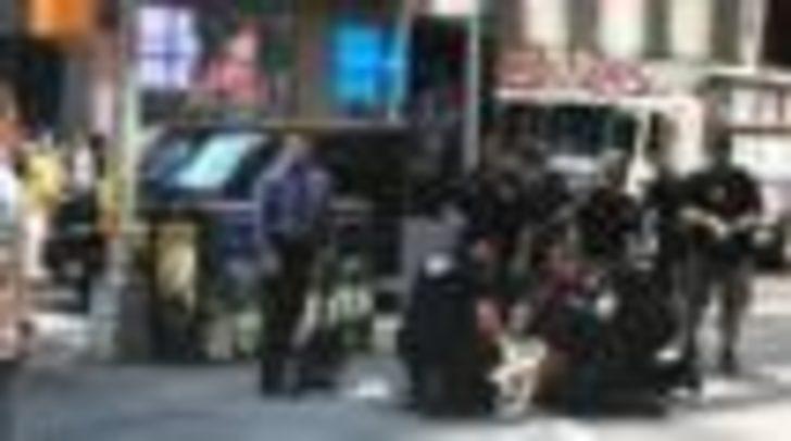 New York'ta bir araç yayalara çarptı: En az 13 yaralı var
