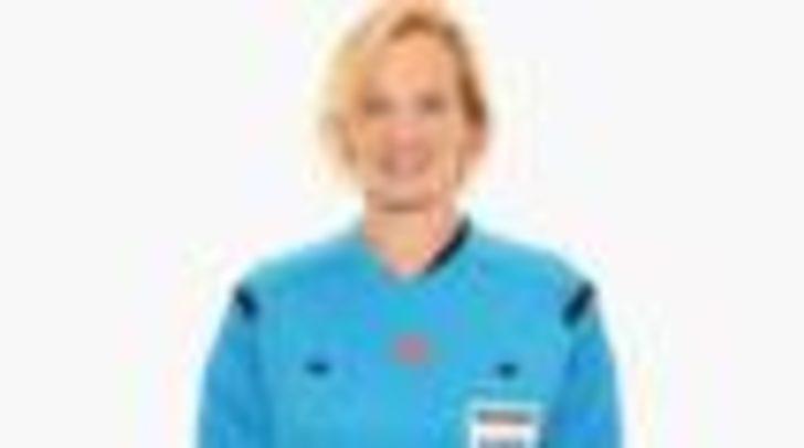 Bibiana Steinhaus: Bundesliga'nın ilk kadın hakemi