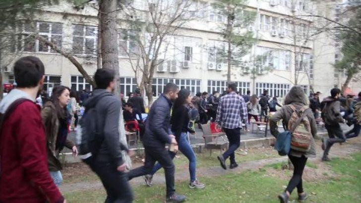 Dicle Üniversitesi'nde nevruz gerginliği: 16 öğrenci gözaltına alındı