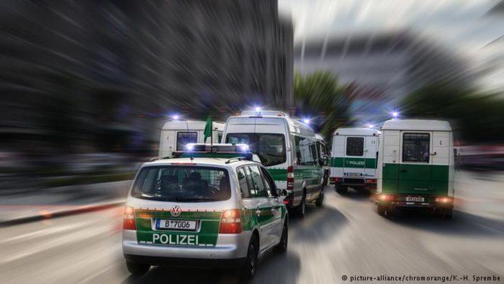Berlin'de şüpheli araç paniğe yol açtı
