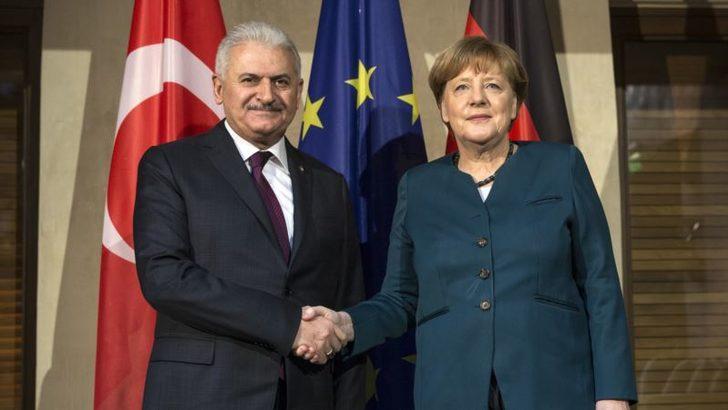 Yıldırım ve Merkel Berlin'de Görüştü
