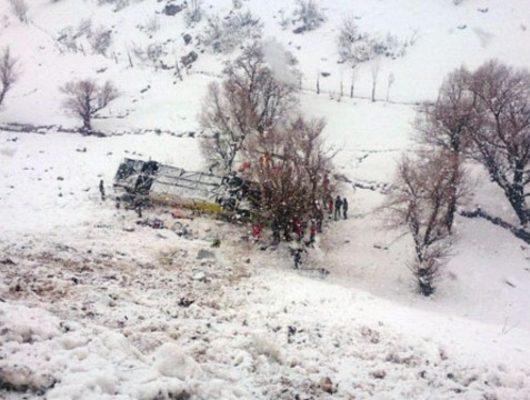 Son dakika! Muş'ta yolcu otobüsü dereye uçtu: 6 ölü, 29 yaralı