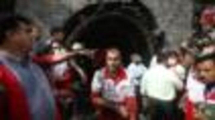 İran'da maden kazası: Arkadaşlarını kurtarmaya çalışan işçiler öldü