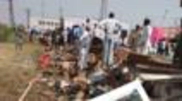 Hindistan'da düğünde duvar çöktü: En az 22 ölü