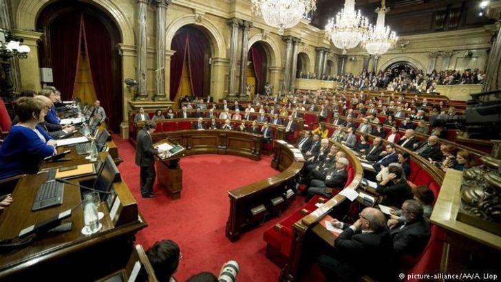 Katalan meclisi engele rağmen toplanıyor