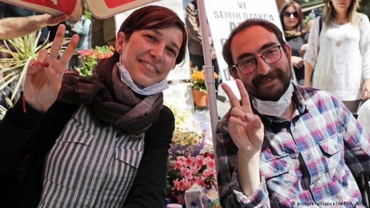 Nuriye Gülmen gözaltına alındığını duyurdu