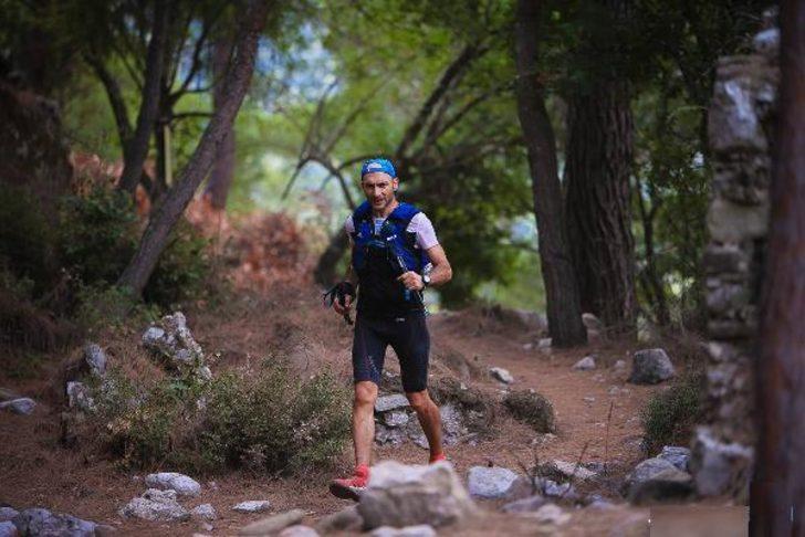 Diyabet hastası 6 gün koştu Türkiye'nin en uzun maratonunda 3'üncü oldu