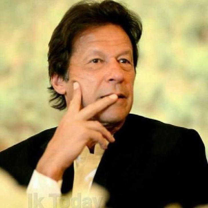 İmran Han: Pakistan Halk Partisi'yle ittifak olasılığı söz konusu bile olamaz