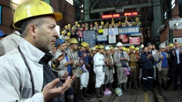 'Dünya Madenciler Günü'nde dualarla iş başı yaptılar