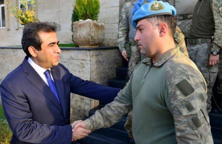 Diyarbakır'daki operasyonlara katılan komando birliklerine validen teşekkür belgesi