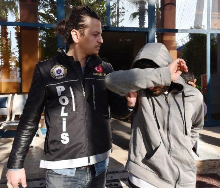 Antalya'da uyuşturucu operasyonu: 7 gözaltı