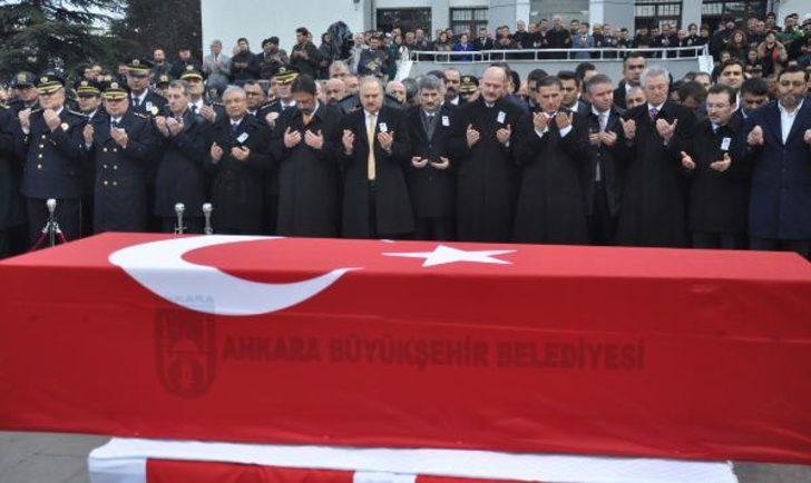 Ankara'da asayiş uygulaması sırasında kaza kurşunu: 1 polis şehit (3)