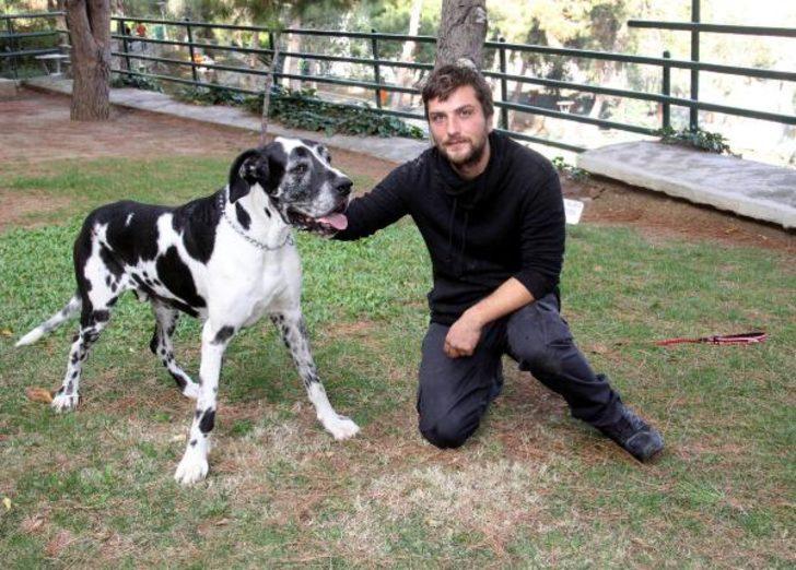 Max ile çocuklara hayvan sevgisini öğretecek
