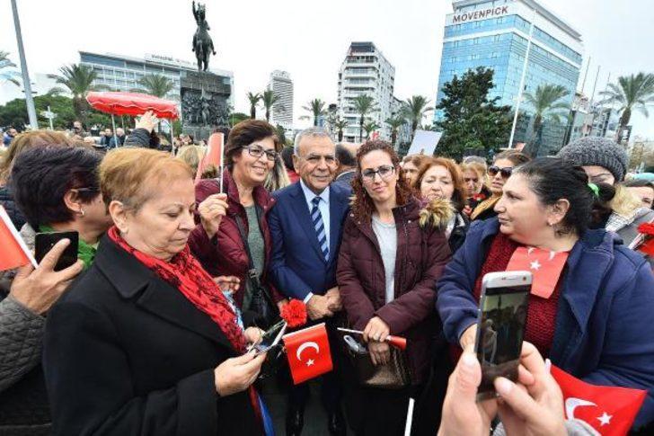 Kadın haklarına davullu kutlama