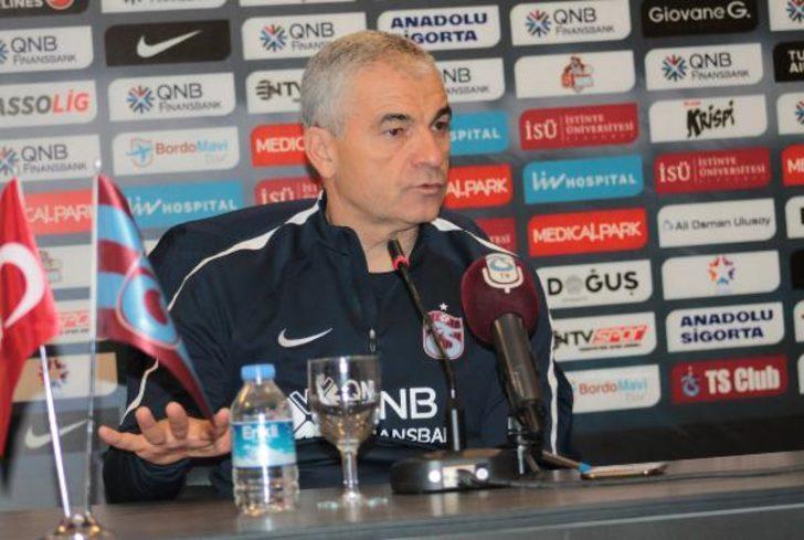 """Trabzonspor Teknik Direktörü Çalımbay: """"Gitmek isteyeni tutmam. Takımda huzursuzluk istemiyorum"""""""