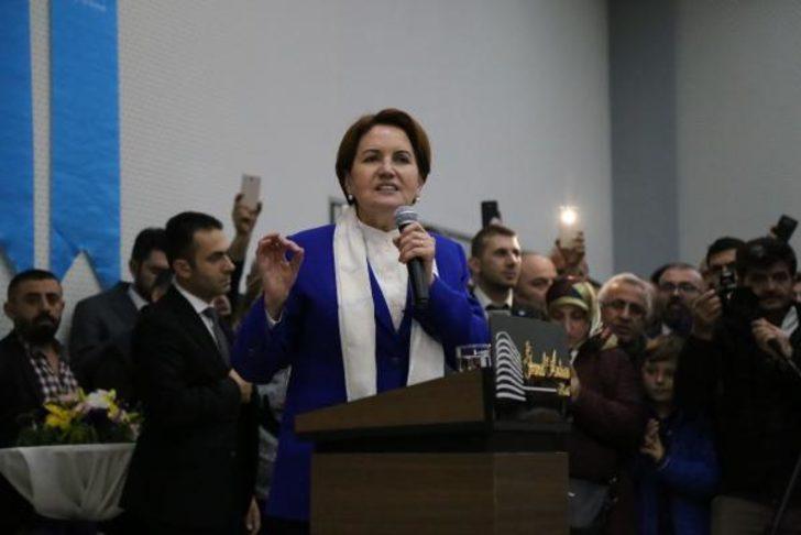 İyi Parti Genel Başkanı Akşener'e meşaleli karşılama (3)