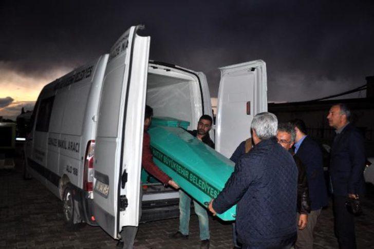 Kazada ölen kaçaklardan 9'u toprağa verildi