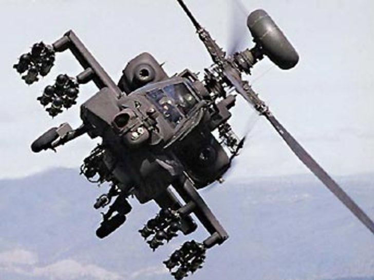 Askeri helikopter piste çakıldı