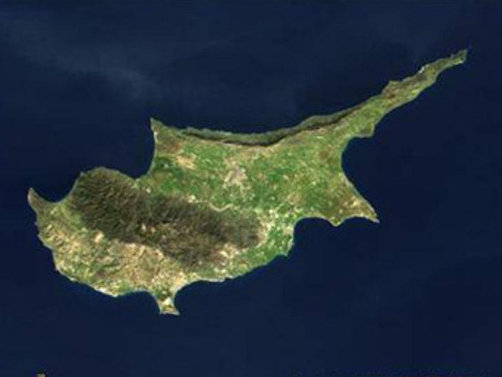 Bann Kıbrıs için devrede