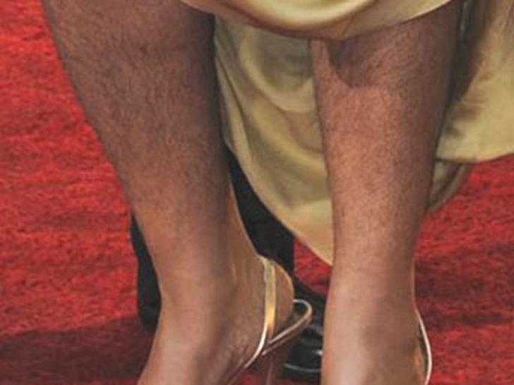 Bu bacaklar hangi ünlüye ait?