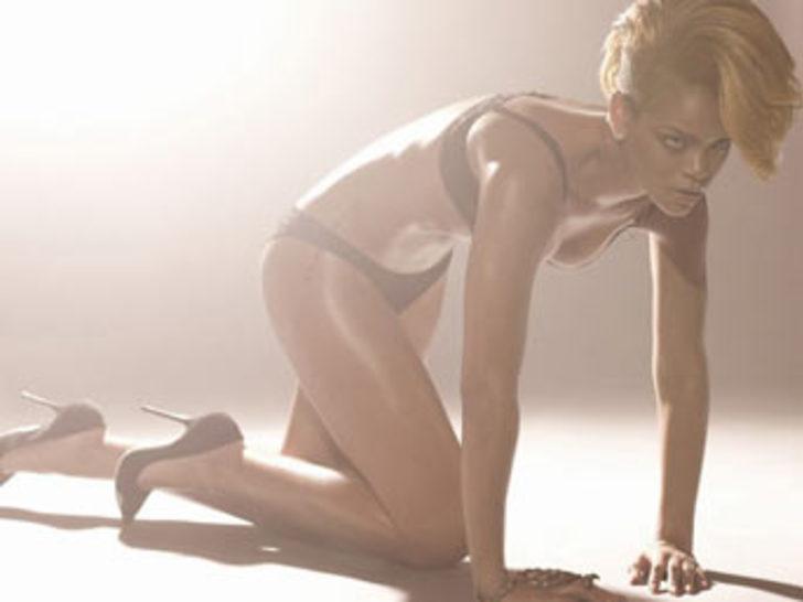 Rihanna açıldı